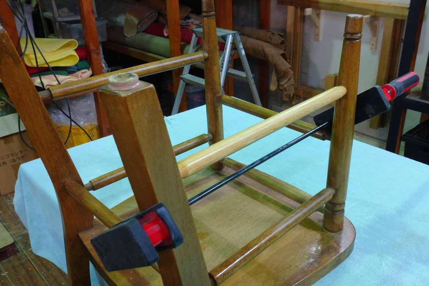 椅子 割れ圧着 貫作り直し 修理